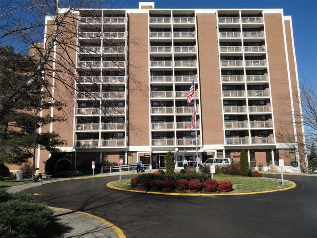 2901 John Merritt Boulevard Nashville, TN 37209 154 Units Phone: (615)  252 3724. Fax: (615) 252 6492. Efficiency And One Bedroom Apartments